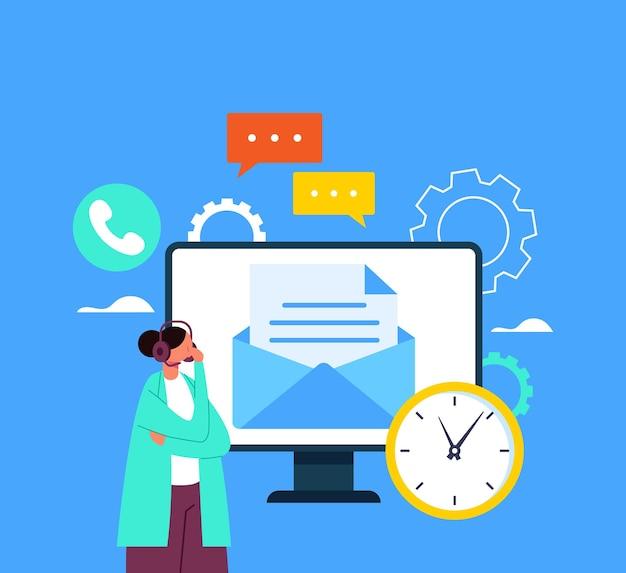 Online internet hotline helpende hand ondersteuning concept.