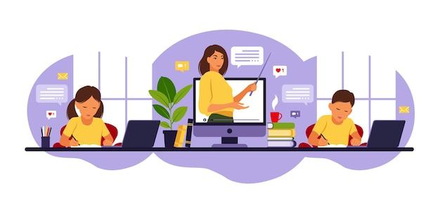 Online leerconcept. online les. vrouw leraar op schoolbord, video-les.