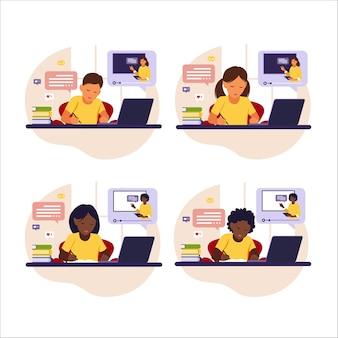 Online leerconcept. verschillende kinderen zitten achter bureau online studeren met zijn computer.