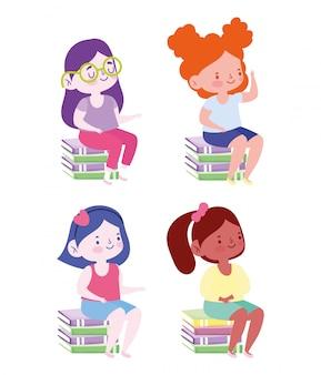 Online onderwijs, student meisjes zitten op stapel boeken, website en mobiele trainingen