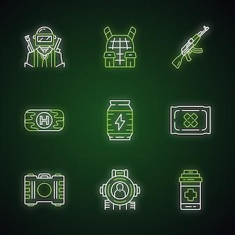 Online spel inventaris neonlicht pictogrammen instellen. esports, cybersports. soldaat, kogelvrije vesten, wapen. eerste hulp, energiedrank, verband, pijnstiller, schietdoel. gloeiende tekens.