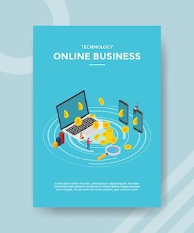 Online zakenmensen die aan laptop smartphone muntgeld werken voor sjabloon van flyer