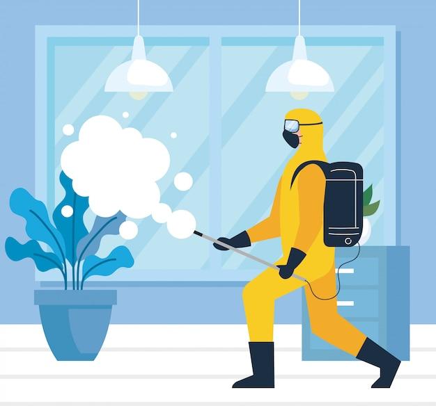 Ontsmetting van het huis door commerciële desinfectieservice, ontsmettingsmedewerker met beschermend pak