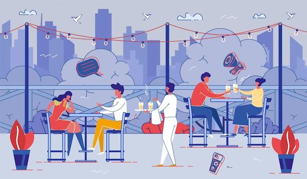 Ontspannen mensen zitten aan tafels in outdoor cafe