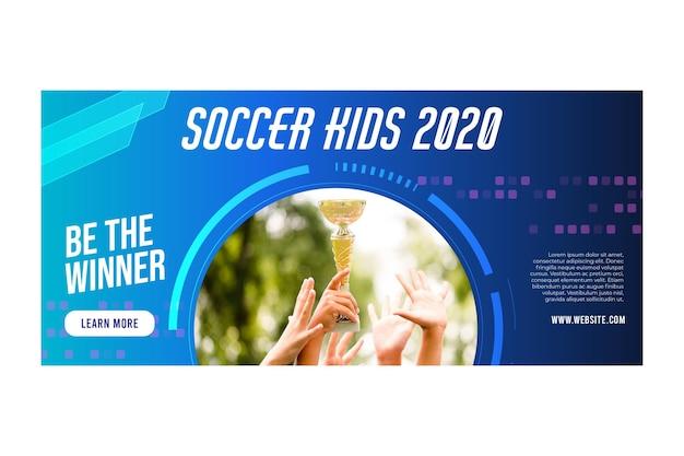 Ontwerp van de banner van voetbal kinderen 2020