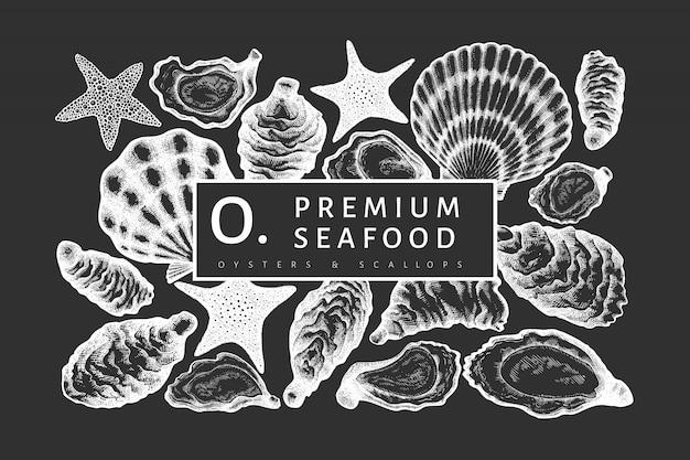 Ontwerpsjabloon oesters. hand getekend vectorillustratie op schoolbord.