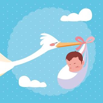 Ooievaar die met babyzak vliegt