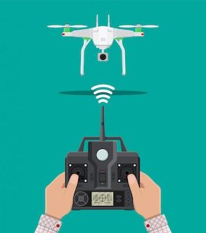 Op afstand bestuurbare antenne drone.