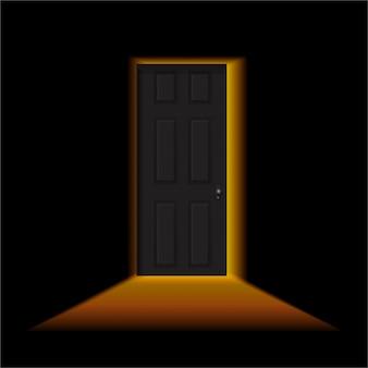 Op een kier in een donkere kamer. licht buiten de deur. zwarte deur in een donkere kamer met stralend licht.