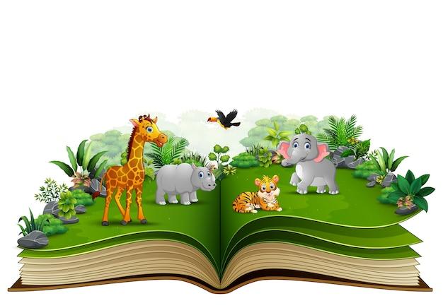 Open boek met het dierlijke beeldverhaal spelen in het park