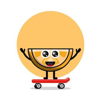Oranje skateboarden schattig karakter logo