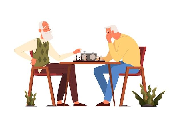 Oude mensen spelen ches. ouderen zitten aan de tafel met een schaakbord. schaaktoernooi tussen twee oude mannen.
