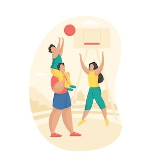 Ouders spelen basketbal met hun kind. jongen zittend op vaders nek gooit bal in mand. vrouw verheugt zich over het succes van haar zoon