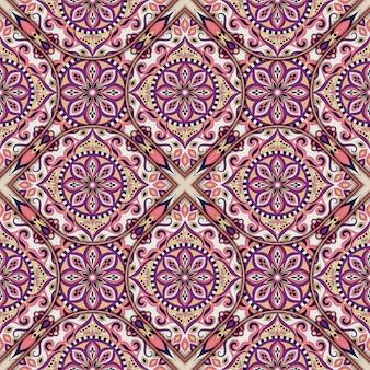 Overladen bloemen naadloze textuur, eindeloos patroon met uitstekende mandala-elementen.