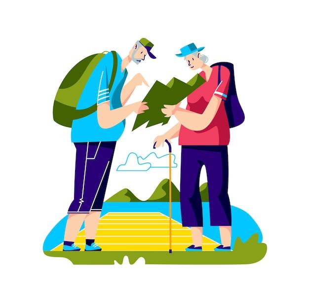 Paar oude backpackers met kaart wandelen in de bergen