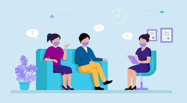 Paar van man en vrouw zittend op de bank en overleg hebben met vrouwelijke psycholoog of psychotherapeut.