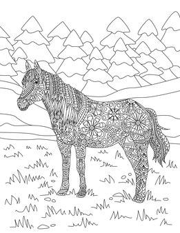 Paard staande op grasvelden met hoge boom bos achtergrond kleurloze lijntekening mooi