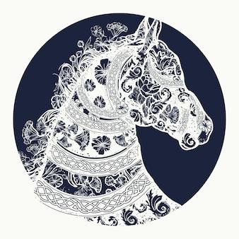 Paardenhoofd in etnische stijl