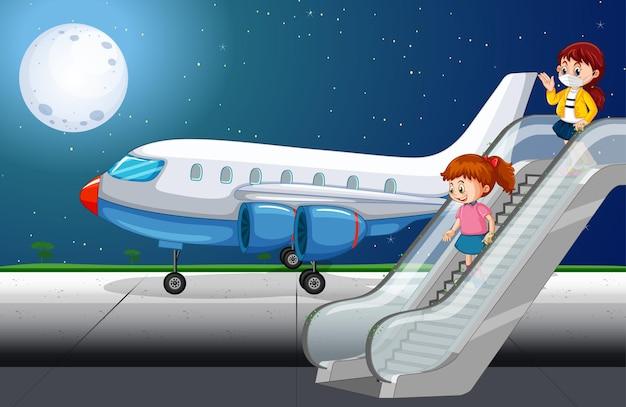 Paassengers stappen uit het vliegtuig