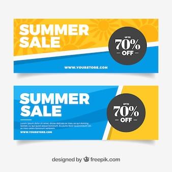 Pack van moderne zomer verkoop banners