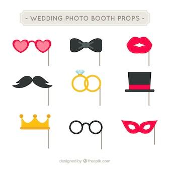 Pak van huwelijksfeest accessoires in plat design