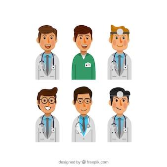 Pakje jonge en smiley artsen