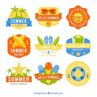 Pakket met negen kleuren labels klaar voor de zomer