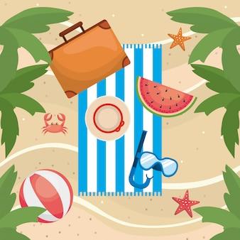 Palmen met watermeloen en koffer met strandbal en snorkelmaskers