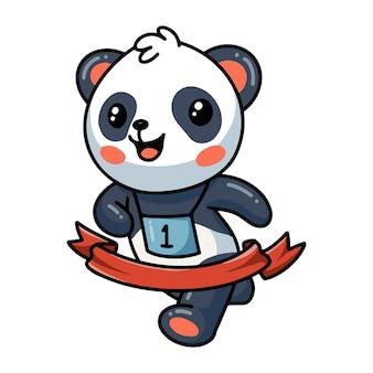 Panda rent naar de finish lintlijn marathon