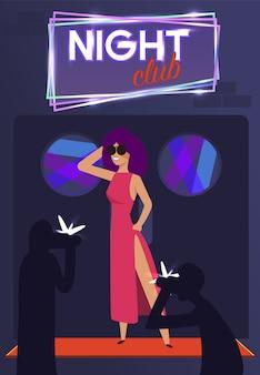 Paparazzi en elegant famous star at night club