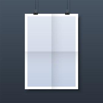 Paper frame mockup opknoping met paperclip