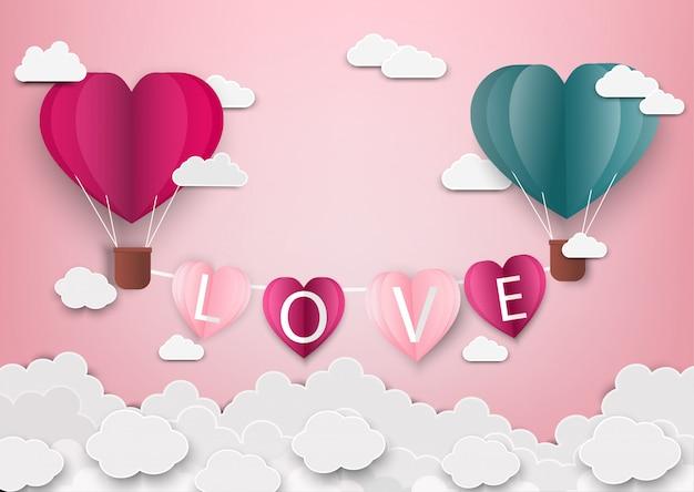 Papierkunst van liefde en origami maakte luchtballon hartvorm vliegend met liefdesbrieven
