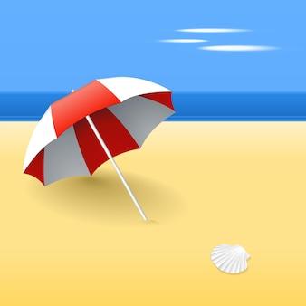 Parasol op een strand, met een schelp