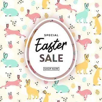 Pasen-verkoopbannermalplaatje als achtergrond met hand getrokken ei en konijntjeskrabbelspatroon op de achtergrond