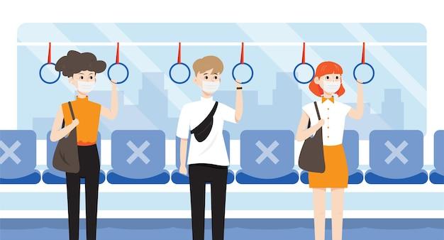 Passagiers die in de bus staan en sociale afstand nemen.