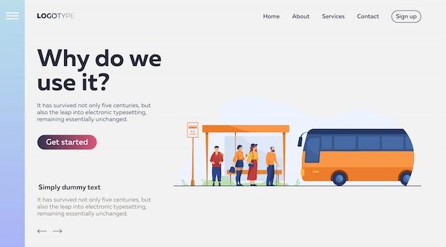 Passagiers wachten op het openbaar vervoer bij de bushalte