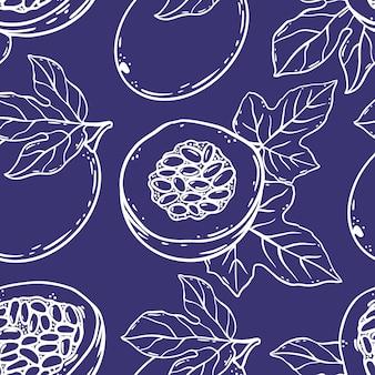 Passion fruit patroon heerlijke dilicacy geheel en segmenten voor ontwerp van biologische natuurlijke producten winkel en dessert drankjes in schets stijl violet naadloze vector