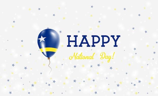 Patriottische poster van de nationale feestdag van curaçao. vliegende rubberen ballon in de kleuren van de nederlandse vlag. curaçao national day achtergrond met ballon, confetti, sterren, bokeh en sparkles.