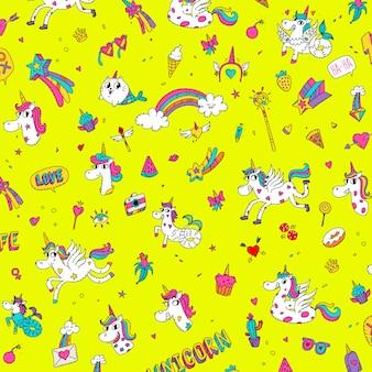 Patroon van eenhoorns, zeemeerminnen, paarden en meisjesachtige dingen.