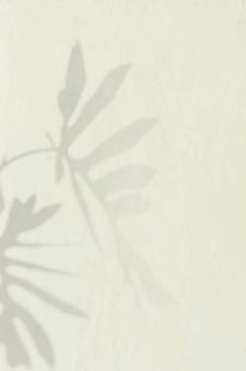 Philodendron radiatum bladpatroon op beige achtergrond