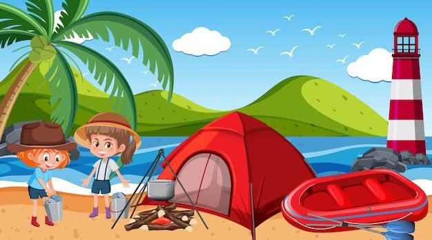 Picknickscène met gelukkige familie op het strand