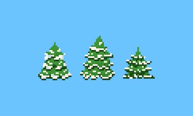 Pixel-kerstboom met sneeuw.