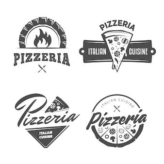 Pizzeria logo's. set van vector badges met pizza, vol en plakjes.