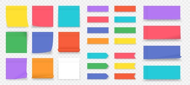 Plakbriefjes. papier gekleurde vierkante herinneringen geïsoleerd, lege notebookpagina.