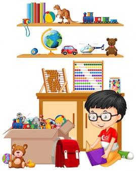 Plank en doos vol speelgoed op wit