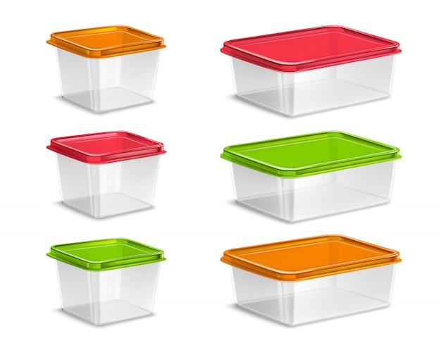 Plastic gekleurde voedselcontainers geplaatst realistisch geïsoleerd