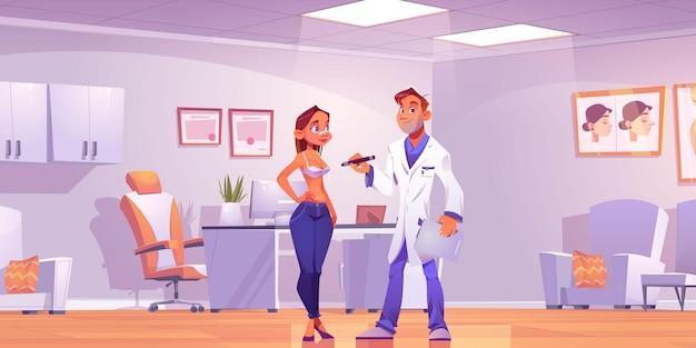 Plastisch chirurg raadplegende vrouw over borstlift of vergroting operatie in kliniek kamer.