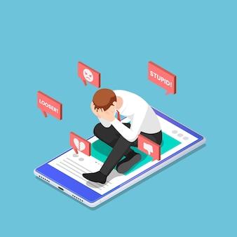 Platte 3d isometrische depressieve zakenman zittend op de smartphone met haatzaaien van sociale media. sociaal netwerk en cyberpesten concept.