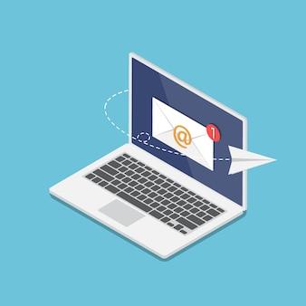 Platte 3d isometrische laptop met nieuwe e-mailmelding op monitor en vliegend papieren vliegtuigje. e-mailmarketing en online communicatieconcept.