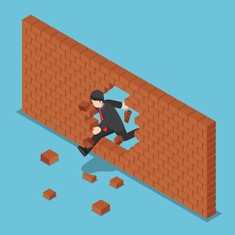 Platte 3d isometrische zakenman die door bakstenen muur breekt. leiderschapsconcept.